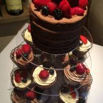 Fresh fruit & chocolate cupcakes