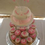 Lauri pink & ivory cup cakes