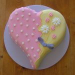 8 inch heart with daisies £40 Suitable for birthday or mothers day