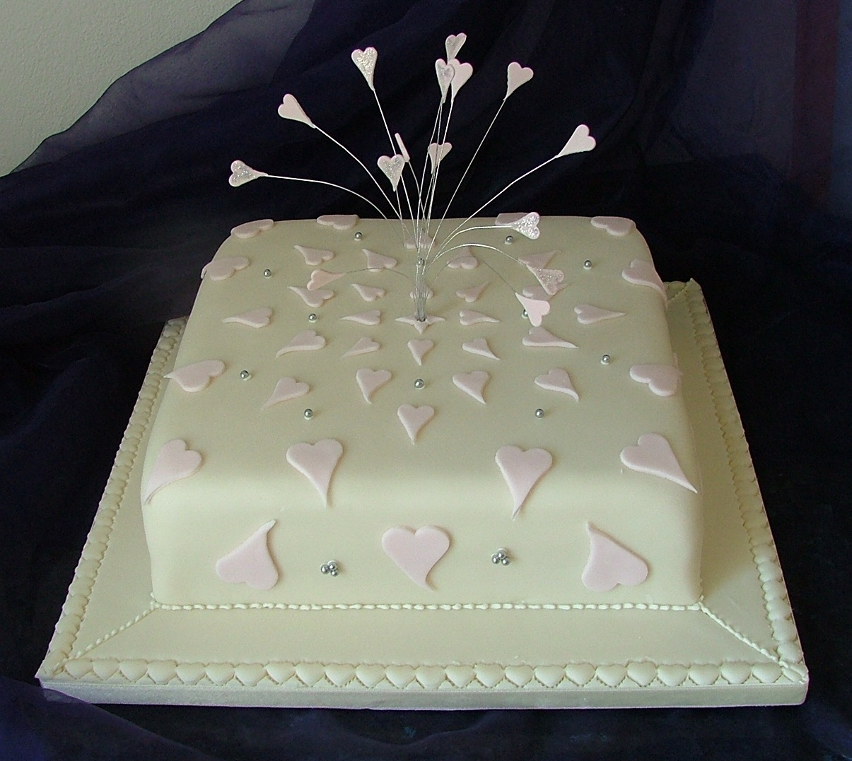 one tier wedding cake images single tier wedding cakes to slice 18026