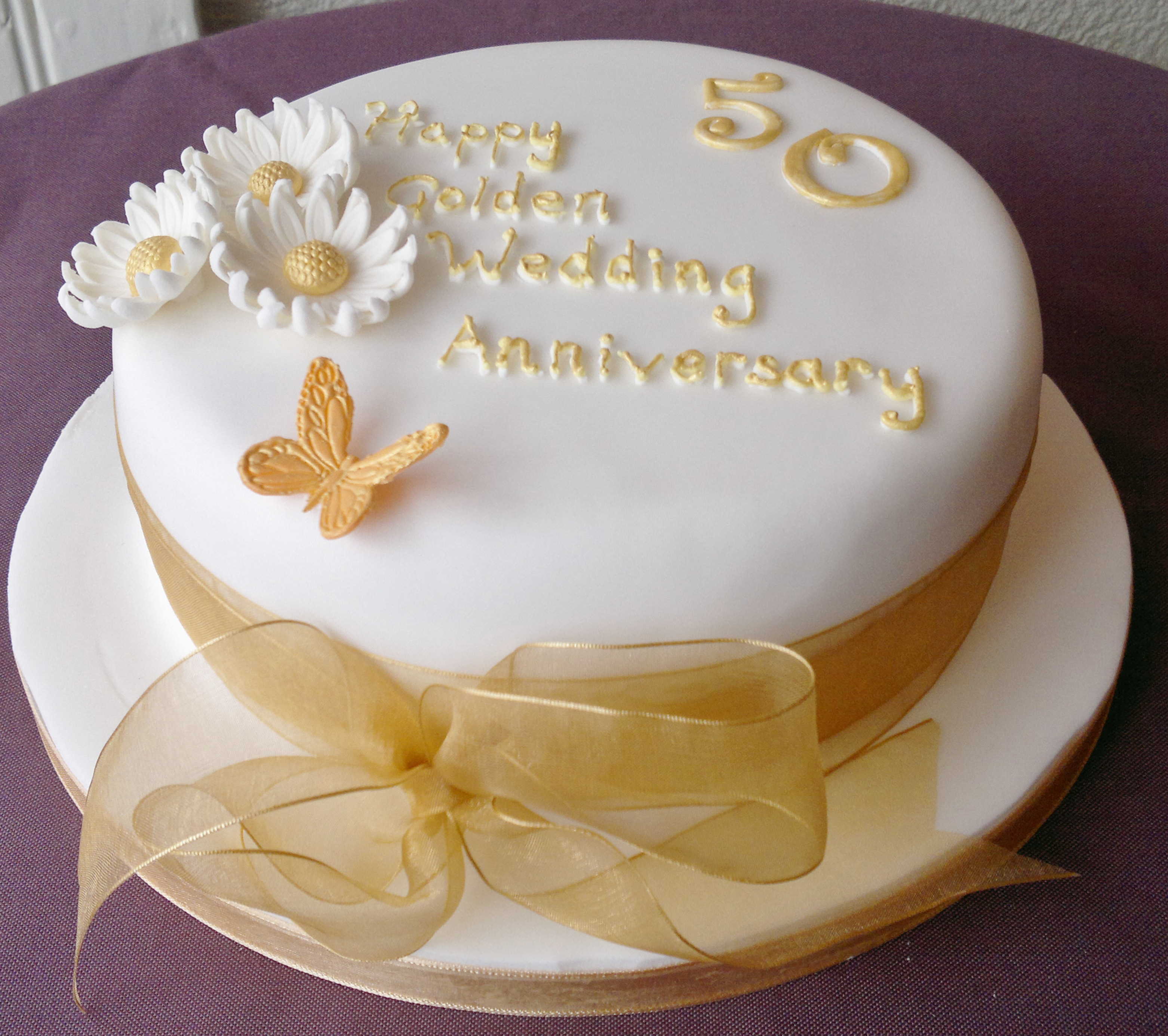 Anniversary Cakes - Too Nice to Slice